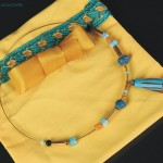 collier jonc en laiton turquoise et doré
