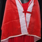 étole rouge et blanche