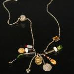collier breloque avec médaille de la vierge