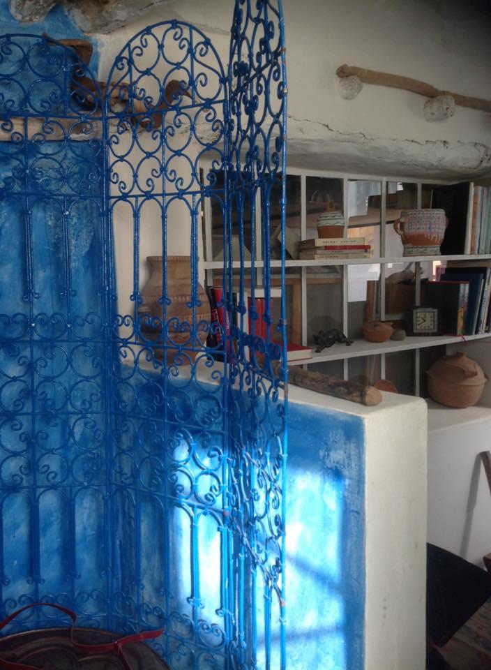 Nouvelles créations en un lieu bleu et ocre